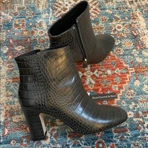 BRAND NEW 8.5 ITALY LEATHER SNAKESKIN BOOTS